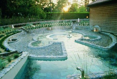 Les bains bouillonnants extérieur au Spa du Royal... Mmmmh !