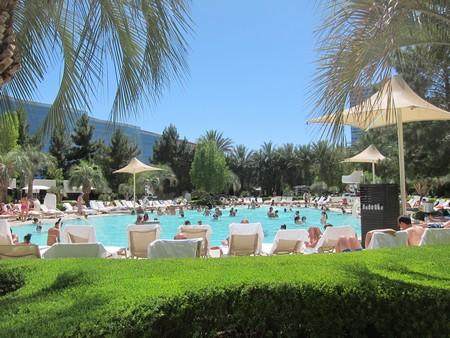L'idée c'est de commencer doucement par une bonne chillade au soleil à la piscine de l'Aria, une des plus sympas du Strip. Histoire de contre-balancer le teint verdâtre que peut donner un séjour trop prolongé au Rio.